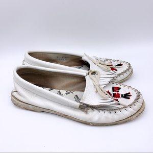MINNETONKA white beaded moccasin loafer, 8.